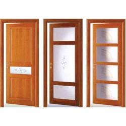 Преимущества и недостатки межкомнатных дверей со стеклянными вставками
