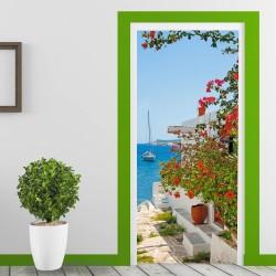 Особенности технологического процесса по отделке дверного полотна клейкими фотообоями