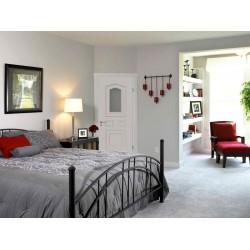 Межкомнатные двери в интерьере спальной комнаты