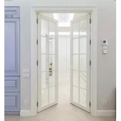 Белые двери в интерьере. Сочетание с полом