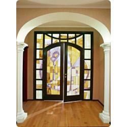Витражные двери: существующие разновидности