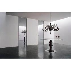 Зеркальные двери: преимущества и недостатки изделий